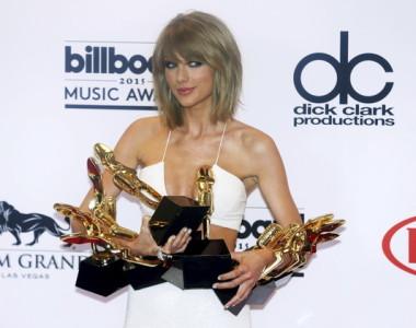 """تيلور سويفت تتصدر قائمة الأسماء المرشحة لجائزة """"إم تي في فيديو ميوزيك"""""""